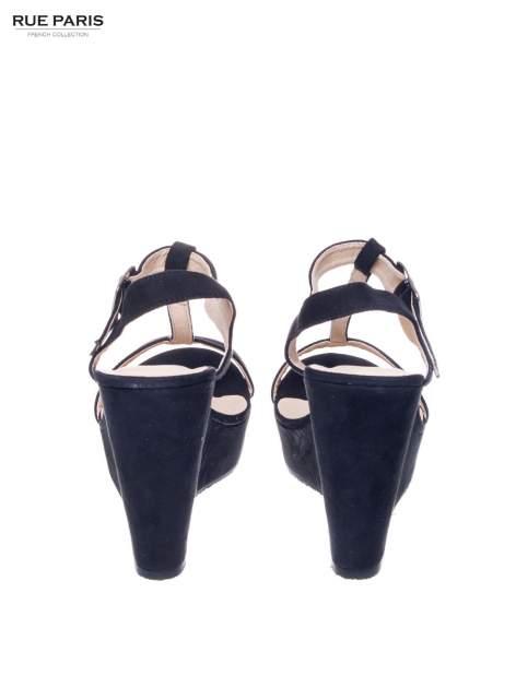 Czarne zamszowe sandały t-bary na koturnie                                  zdj.                                  3
