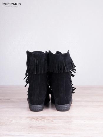 Czarne zamszowe sneakersy Aravia z frędzelkami na koturnach                                  zdj.                                  4