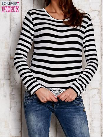 Czarno-biała bluzka w paski z koronką                                  zdj.                                  1