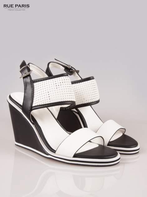 Czarno-białe siateczkowe koturny faux leather Matilda na paski z odkrytą piętą                                  zdj.                                  2