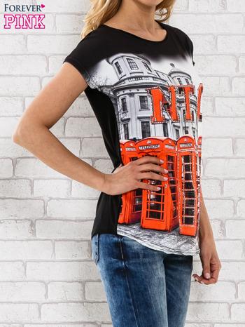 Czarno-biały t-shirt z londyńskim nadrukiem                                  zdj.                                  3