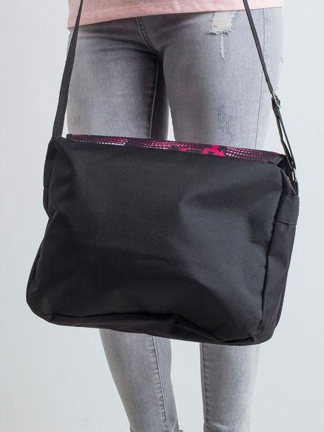 Czarno-czerwona torba na ramię we wzory                              zdj.                              2