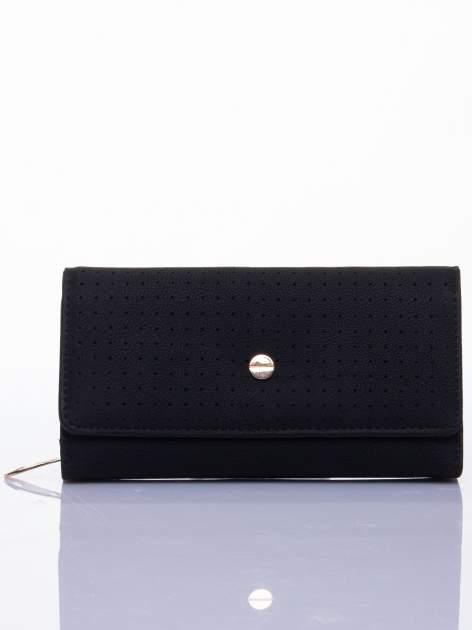 Czarny ażurowany portfel ze złotym suwakiem