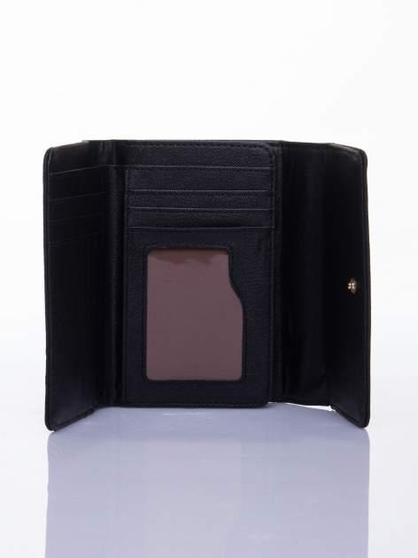 Czarny ażurowany portfel ze złotym zapięciem                                  zdj.                                  3