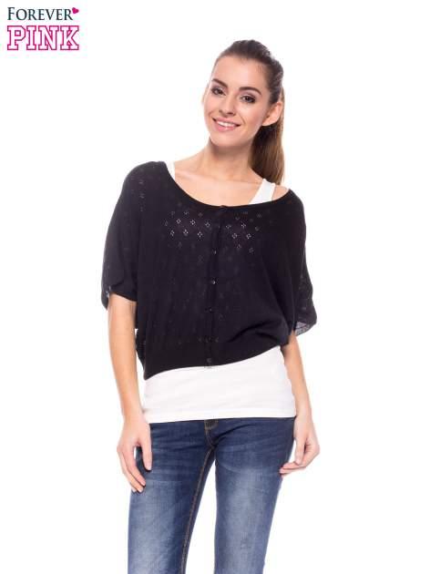 Czarny ażurowy sweterek z krótkim rękawem                                  zdj.                                  1