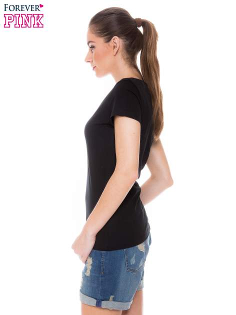 Czarny basicowy t-shirt z dekoltem w serek                                  zdj.                                  3