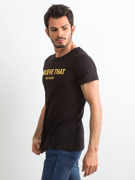 Czarny bawełniany t-shirt męski z napisem                              zdj.                              3