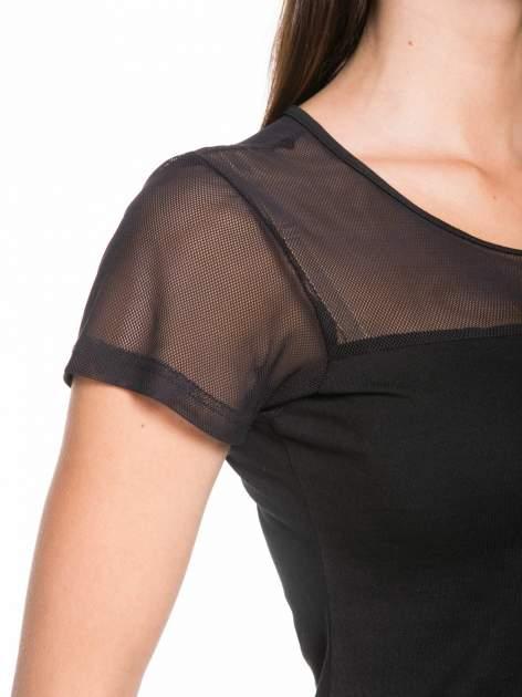Czarny bawełniany t-shirt z siateczką                                  zdj.                                  6