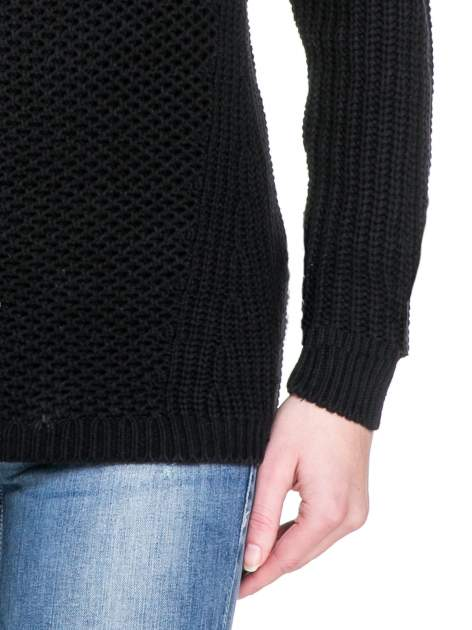 Czarny ciepły sweter z golfowym kołnierzem                                  zdj.                                  6