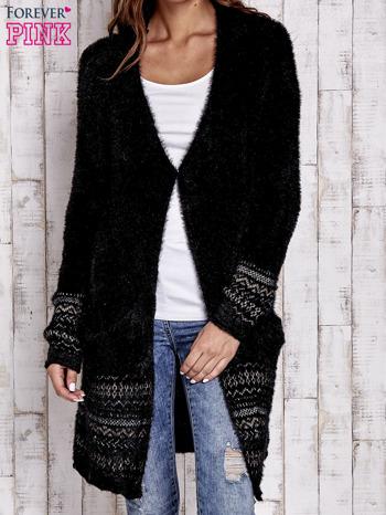 Czarny długi włochaty sweter z kolorową nitką                                  zdj.                                  5