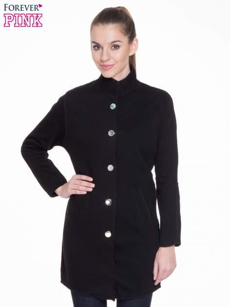 Czarny dresowy płaszcz o kroju oversize                                  zdj.                                  1