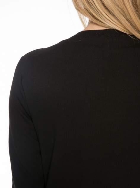 Czarny dresowy żakiet z zaokrąglonymi bokami                                  zdj.                                  7
