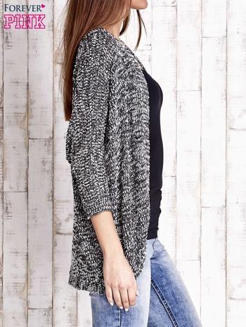 Czarny melanżowy sweter z otwartym dekoltem                                  zdj.                                  3
