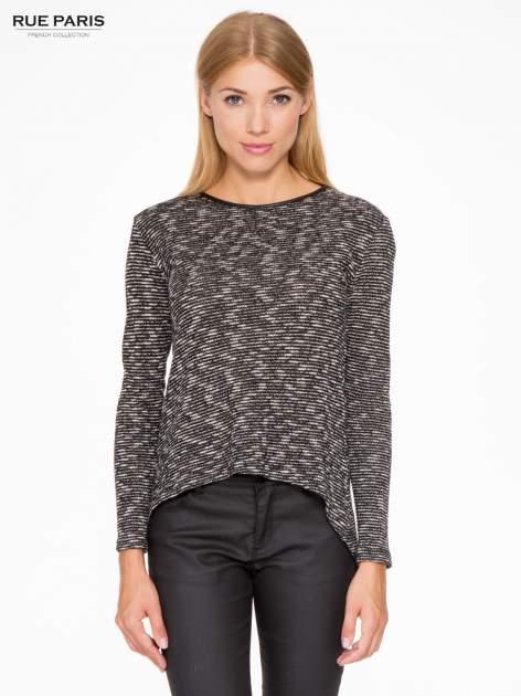 Czarny melanżowy sweter ze skórzaną lamówką przy dekolcie                                  zdj.                                  1
