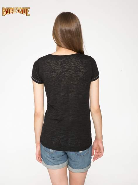 Czarny półtransparentny t-shirt z napisem                                  zdj.                                  4