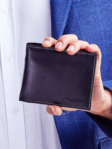 Czarny portfel dla mężczyzny z tłoczeniem                              zdj.                              1