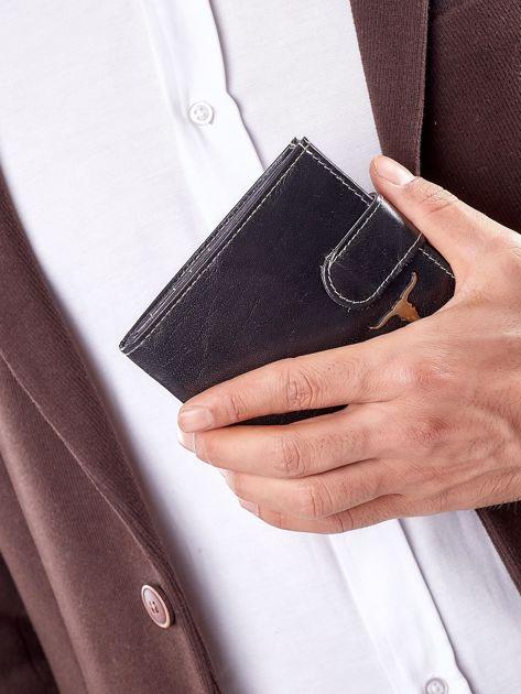 Czarny portfel męski z paskiem na zatrzask                              zdj.                              13