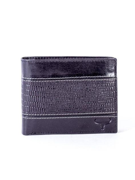 Czarny portfel męski ze skóry z poziomym tłoczeniem                              zdj.                              1