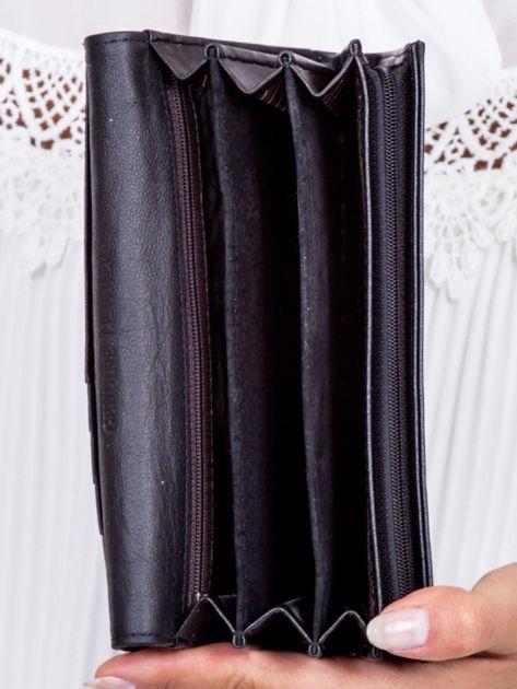 Czarny portfel z kontrastową wstawką w paski                               zdj.                              5