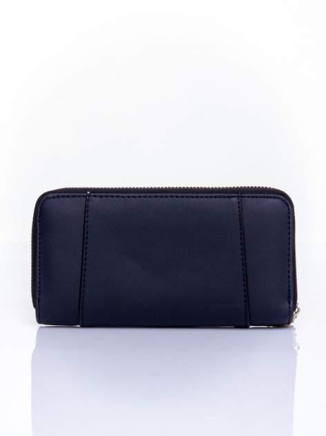 Czarny portfel ze złoconą klamrą                                  zdj.                                  2