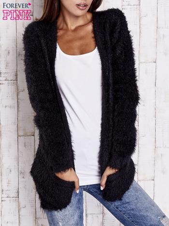 Czarny puszysty sweter z bocznymi kieszeniami                                  zdj.                                  1