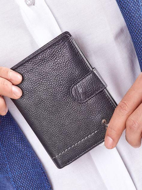 Czarny rozkładany portfel ze skóry