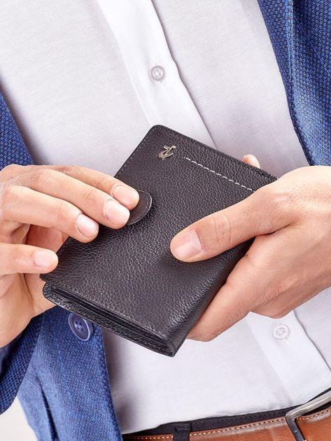 Czarny rozkładany portfel ze skóry                              zdj.                              9