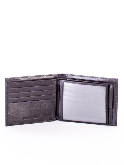 Czarny skórzany portfel męski z eleganckim niebieskim obszyciem                              zdj.                              4