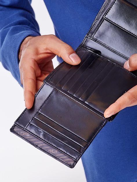 Czarny skórzany portfel męski z symetrycznymi tłoczeniami                              zdj.                              5
