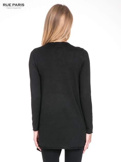 Czarny sweter narzutka waterfall ze skórzanymi klapami                                  zdj.                                  4