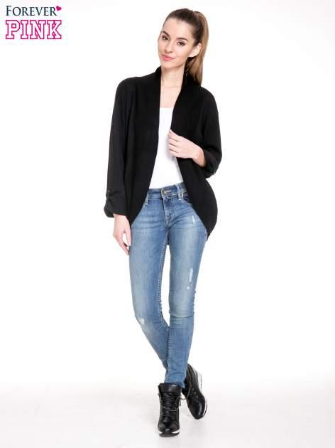 Czarny sweter narzutka z wywijanymi rękawami                                  zdj.                                  2