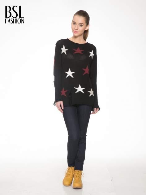 Czarny sweter w gwiazdy z efektem destroyed                                  zdj.                                  2