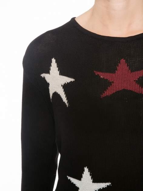 Czarny sweter w gwiazdy z efektem destroyed                                  zdj.                                  5