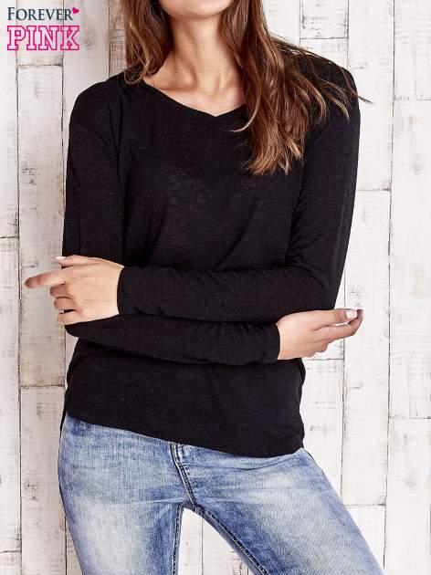 Czarny sweter z kapturem                                  zdj.                                  1