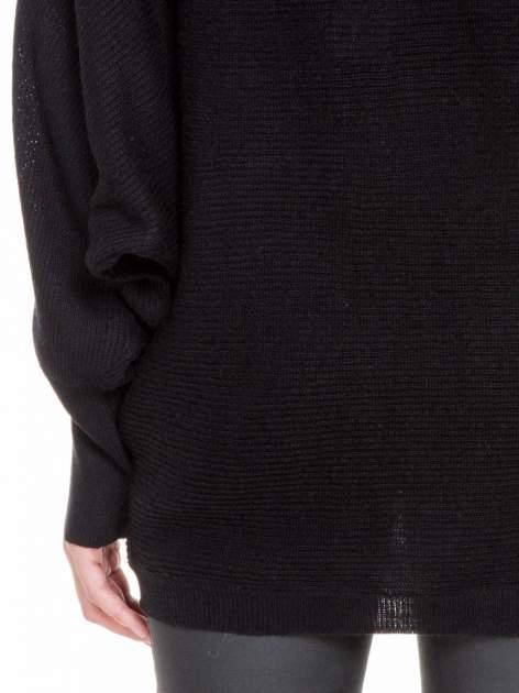 Czarny sweter z nietoperzowymi rękawami                                  zdj.                                  8