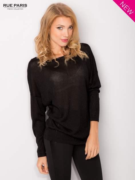Czarny sweter z opuszczonymi rękawami przeplatany metalizowaną nicią                                  zdj.                                  2