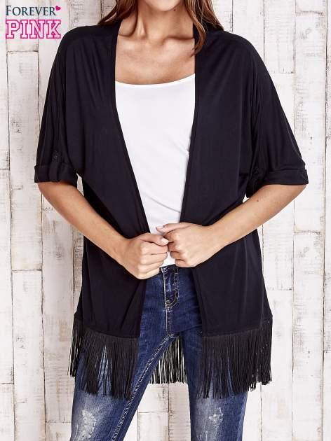 Czarny sweter z podwijanymi rękawami i frędzlami                                  zdj.                                  1