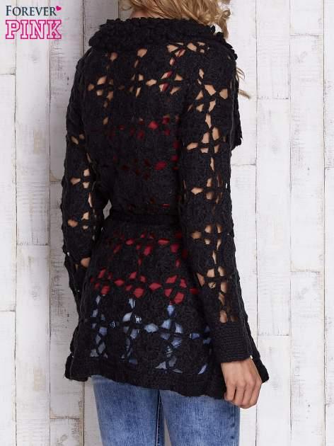 Czarny sweter  z wiązaniem w pasie                                  zdj.                                  4