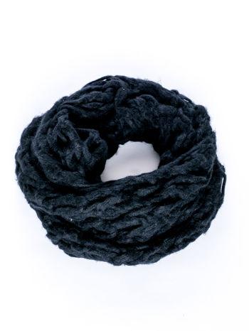 Czarny szalik o szerokim splocie z frędzlami                                  zdj.                                  2