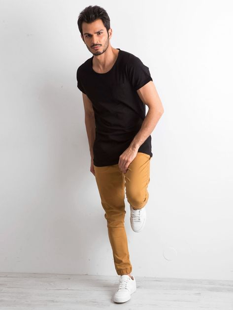 Czarny t-shirt męski z kieszonką                              zdj.                              4