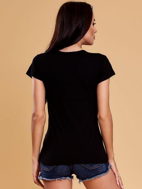 Czarny t-shirt z buldożkiem                              zdj.                              2