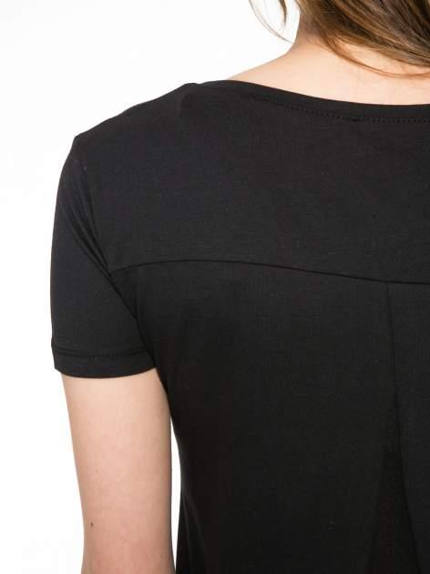 Czarny t-shirt z fotografiami miast                                  zdj.                                  10