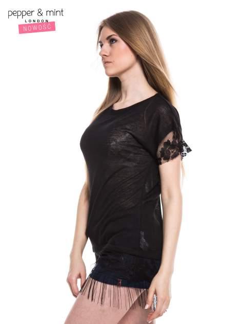 Czarny t-shirt z koronką i frędzlami w stylu boho                                  zdj.                                  2