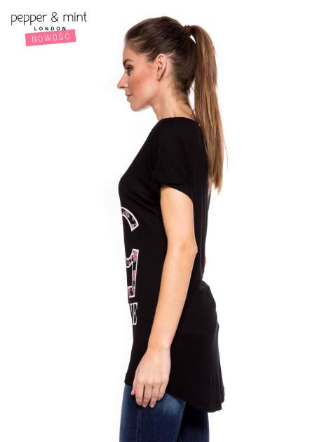 Czarny t-shirt z logo VOGUE                                  zdj.                                  2
