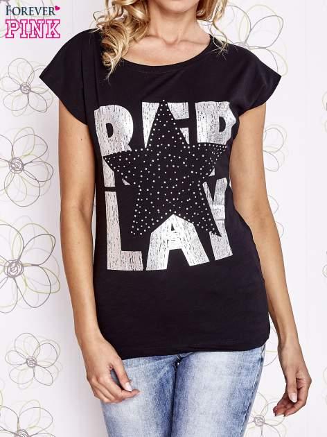 Czarny t-shirt z motywem gwiazdy i dżetami                                  zdj.                                  1
