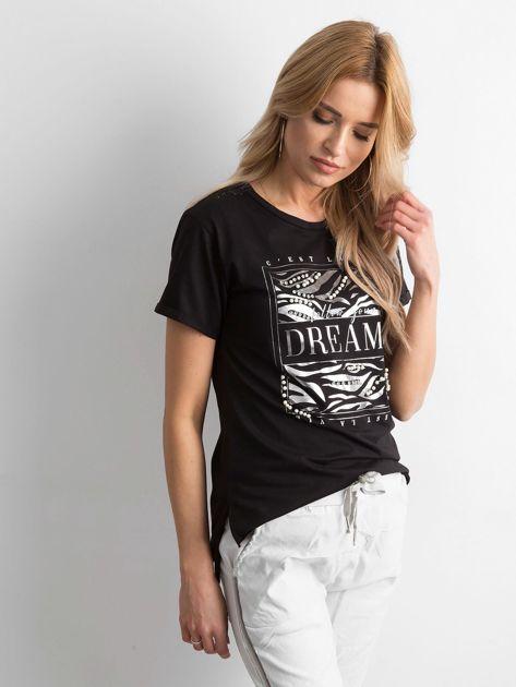 Czarny t-shirt z nadrukiem i koralikami                              zdj.                              3