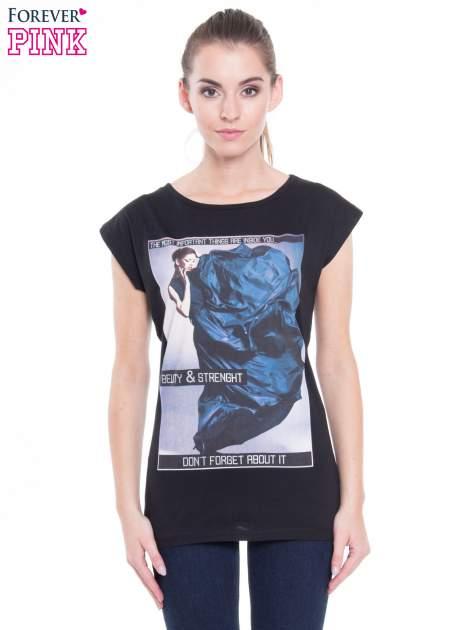 Czarny t-shirt z nadrukiem w stylu high fashion