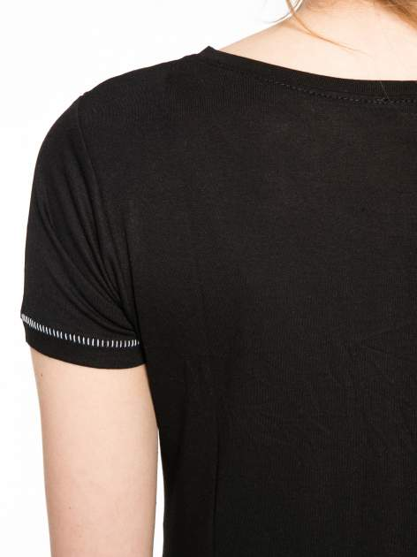 Czarny t-shirt z nadrukiem wieży Eiffla                                  zdj.                                  10