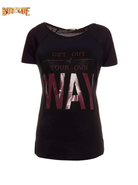 Czarny t-shirt z napisem GET OUT OF YOUR OWN WAY