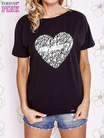 Czarny t-shirt z napisem JE T'AIME i dekoltem na plecach                                  zdj.                                  1